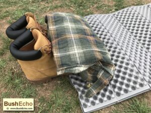 Bushcraft improvised pillow